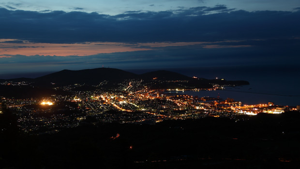 Kenashiyama at night